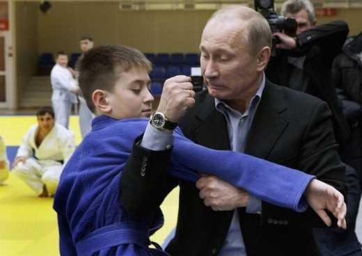 «Духовно-скрепно»: В России могут официально разрешить насильно связывать детей