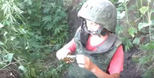 Русский мир во всей красе — дети, гранаты, конопля… (видео)