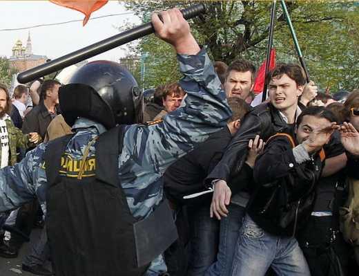 """""""Здесь вам, суки, не Украина!"""" — путинские полицаи кошмарят крымчан и севастопольцев (видео)"""