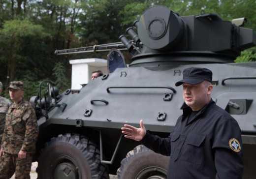 Диванный полковник Толя Мостовой требует посадить Турчинова за госпереворот