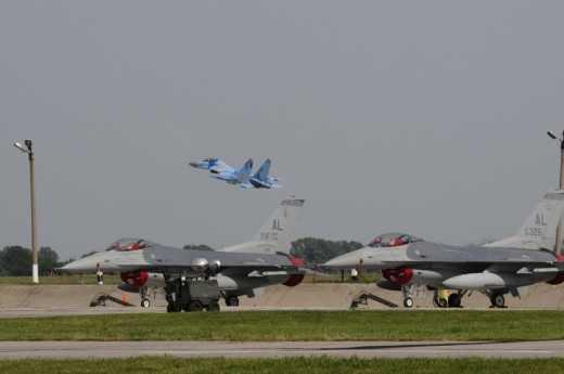 Истребители ВВС США в небе над Украиной… Ждемс!