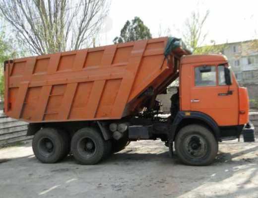 В Красноармейском районе водителя придавило кабиной собственного «КАМАЗа»