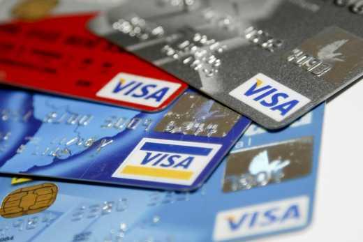 Незабаром Visa відмовиться від обслуговування за картками російських банків