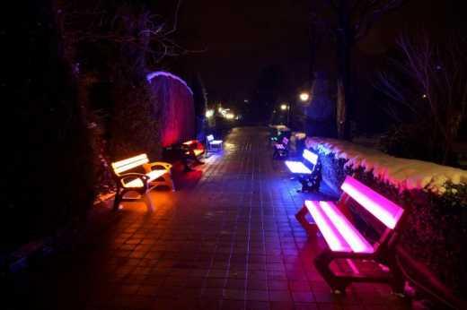 Киевские скамьи будут светиться благодаря солнечным батареям