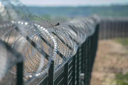 """Латвія побудує """"китайську стіну"""" на кордоні з Росією"""