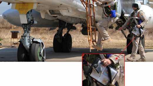Летчики РФ в Сирии, на задание отправляются с иконами