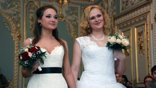 В Ирландии узаконили брак между однополыми