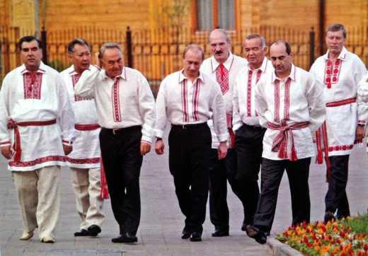 Путин — бандеровец: Появилось фото президента РФ в вышиванке