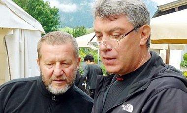 «Привязывать Украину к Москве мечтал и Кох, и Немцов», — блогер.