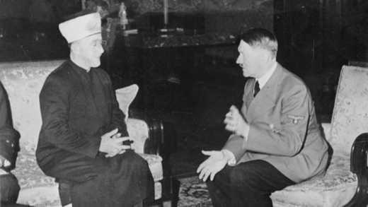 С Гитлера решили снять ответственность за Холокост