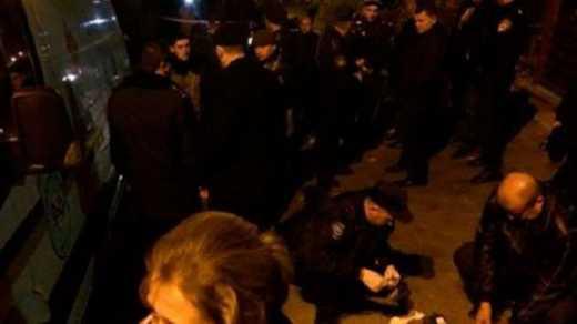 Дом мэра Львова подорвали гранатой