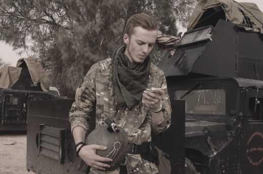 """История студента бауманки, который сначала повоевал на Донбассе, потом отправился в Курдистан воевать с ИГИЛ. За """"великую"""" Россию, разумеется"""