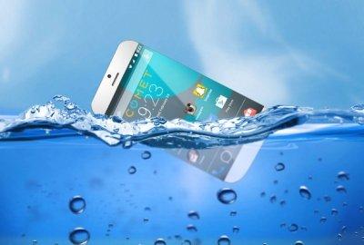 У Каліфорнії придумали смартфон, який не тоне у воді