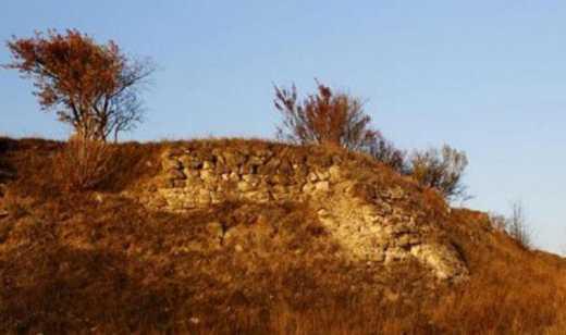 Загадкова Україна: Археологи знайшли залишки маловідомого замку