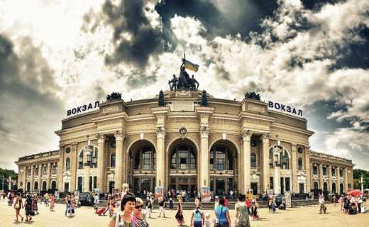 В Одесі жахлива паніка через замінування вокзалу