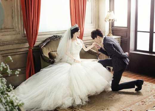 Помираючий від раку китаєць одружився з надувною лялькою (ФОТО)