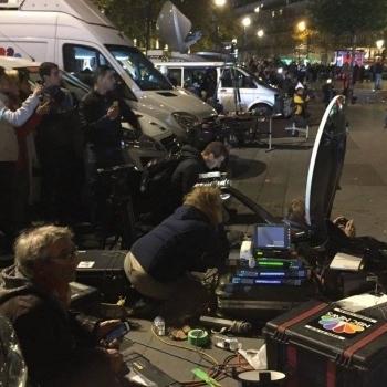 У центрі Парижа знову захоплені заручники і лунають постріли