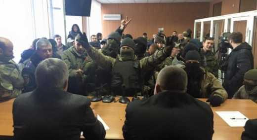 Одеські патріоти вказали місце суддям