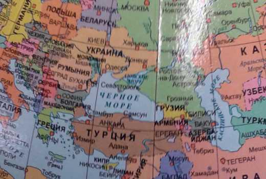Поляки выпустили глобусы, где Крым и Донбасс – территория России