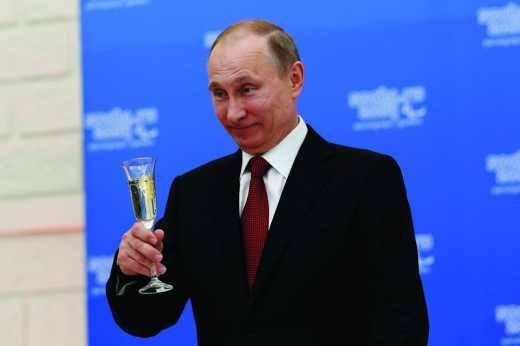 «Залижут до смерти»: соцсети обсуждают подозрительное фото Путина