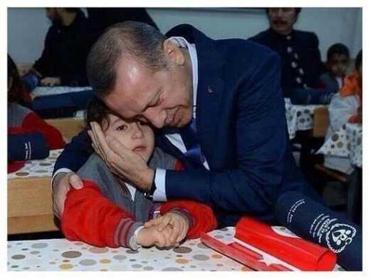 На батьківські збори замість батьків турецького хлопчика прийшов президент країни
