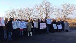 В Оленвці бойовики «ДНР» зігнали людей на антиураїнський мітинг