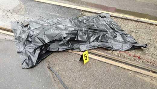 Трамвай отрезал голову 16-летней девушке из Запорожья