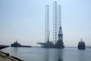 Росія вкарла українські нафтові вишки на загальну суму 360 мільйонів доларів США