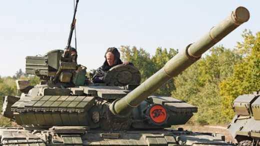 Порошенко пообіцяв військовим зарплату «як у поліцейських»