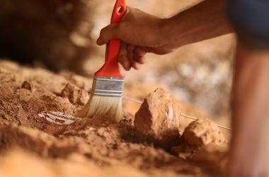 У Китаї знайшли поховання із сотні висячих трун