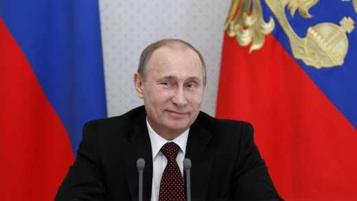Путін прилетів у темний Крим
