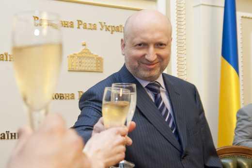 Турчинов предложил праздновать Рождество по Григорианскому календарю
