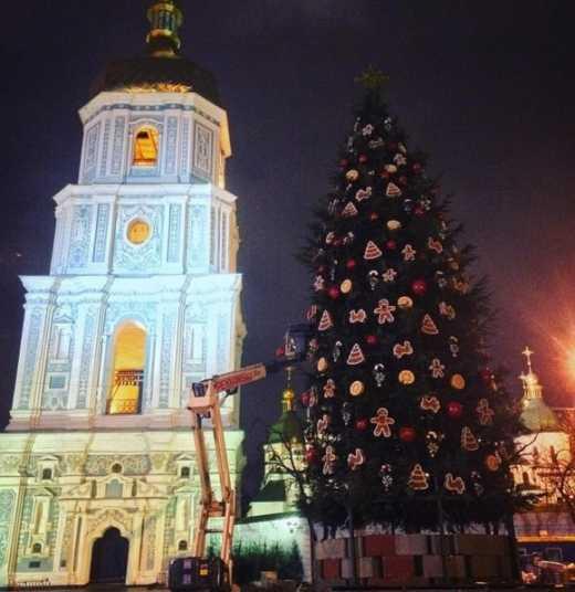 Хрещатик залишать відкритим для транспорту на новорічні свята