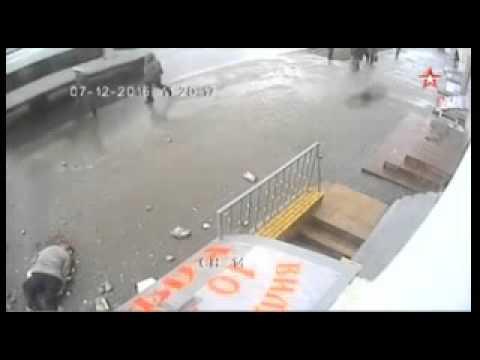 На пенсінера впав балкон – байдужість москвичів зашкалює