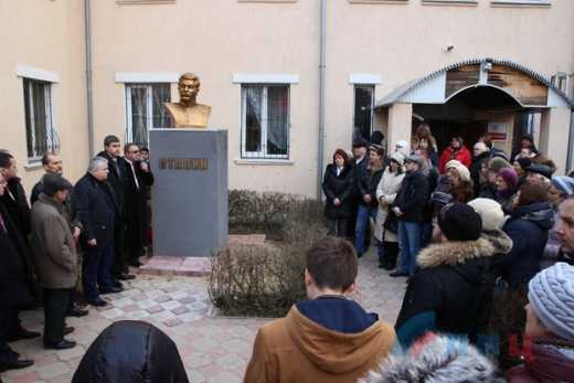 Луганчани відкрили пам'ятник Сталіну