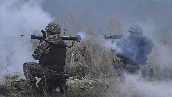 Різдвяна ніч в АТО: кацапи обстріляли мирних жителів та бійців АТО