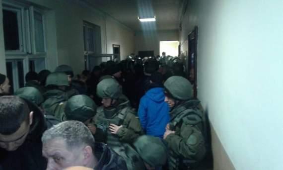 «Правий сектор» не вчиняв погрому в апеляційному суді, – Стемпіцький