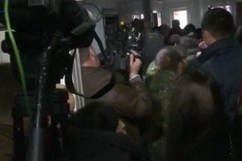 """Військові """"Торнадо"""" почали штурм київського суду"""
