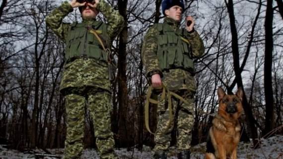 Прикордонники затримали двох чоловіків, які побили українського бійця