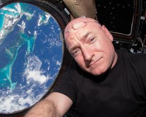 Американський астронавт розповів чим пахне космос