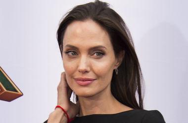 Анджеліна Джолі шокувала кістлявимим ногами