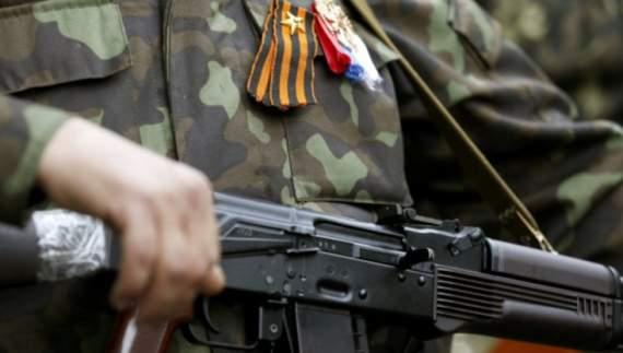 Луганчане вышли на митинг под дулами автоматов «ЛНР»