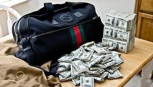 Банкір Львова «свиснула» 1,2 млн гривень