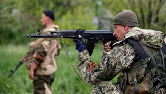 Террористы перебрасывают в Донецк бронетехнику и минометы