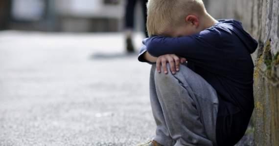 Росіянка жорстоко побила свого сина, бо не отримала дитячу допомогу (ВІДЕО)