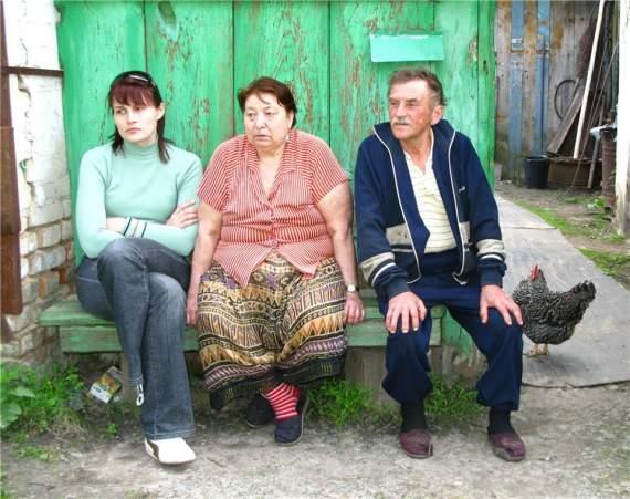 В РФии обсуждают предложение создать патрули из пенсионеров для присмотра за соседями