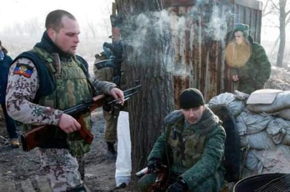 На Донбасі терористи гатять по українських позиціях