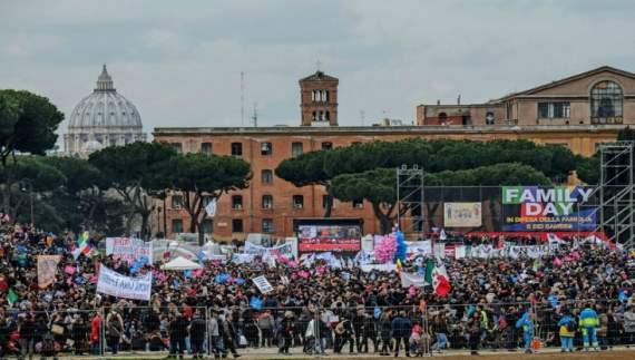 Італійці вийшли на демонстрацію проти гей-шлюбів (ФОТО)