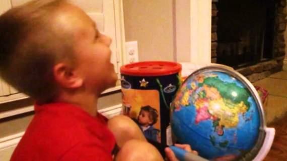 Мережу підкорив хлопчик, який сміється з Путіна (ВІДЕО)