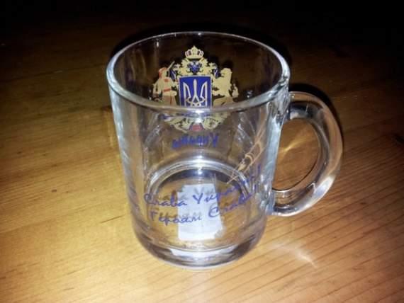 Чашки «Слава Україні» дійсно виготовляють в Російській Федерації